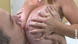 Good fuck with busty Kayla Kleevage plus Annabelle Flowers