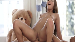 Young Alexis Bril and Alexis Brill pussy eating porno