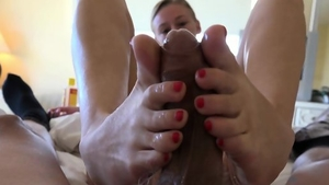 Footjob in hotel next to blonde