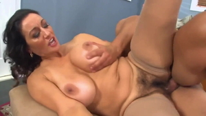 Stepmom Persia Monir receiving facial cum loads