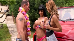 Rough sex with busty Ennio Guardi & babe David Perry