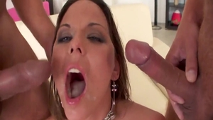Loud sex together with Simony Diamond in HD