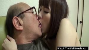 Hot japanese mature feels the need for the best sex
