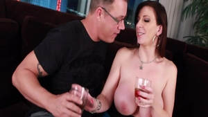 Chubby american stepmom Sara Jay enjoys hard slamming HD