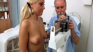 Big ass erotic doctor medical gyno exam