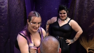 Fat BBW gets a buzz out of bondage in HD