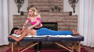 Silvia Saige beside Alix Lynx massage HD