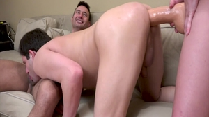 Big butt sissy Shae Celest feels in need of strapon