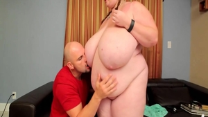 BBW Lexxxi Luxe pussy eating