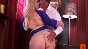 Raw sex with chubby mature Nikky Wilder