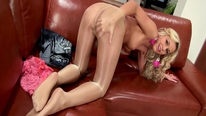 Solo big tits in pantyhose teen fucked in the ass