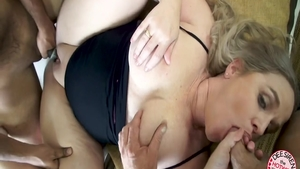 Chubby whore craving sex in HD