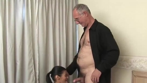Babe have sex with big penis daddy