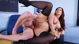Syren De Mer rushes hard pounding