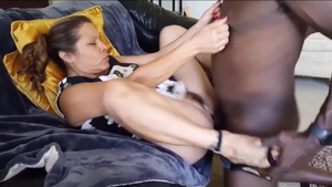 Squirts in company with american slut