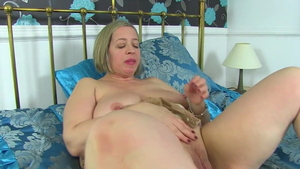 Busty british MILF Shooting Star desires nailing HD