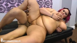 Big butt chick feels the need for hard pounding