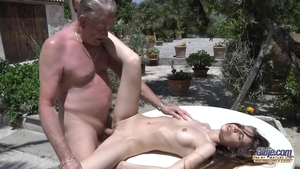 Shaved tight amateur hardcore doggystyle outdoors