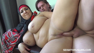 Blowjob along with big butt muslim stepmom
