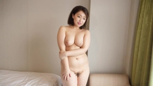 Asian MILF cock sucking at casting