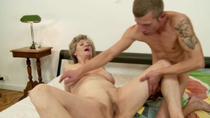Raw sex with hottest granny
