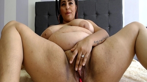 Solo busty & chubby babe homemade masturbating