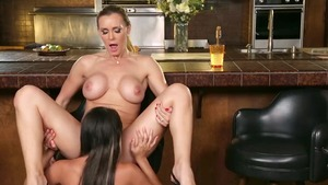 Very hawt Tanya Tate feels like nailing