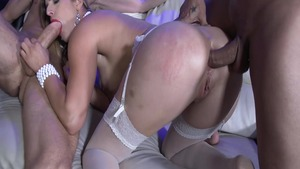 Hottest Mira Sunset group sex double fuck
