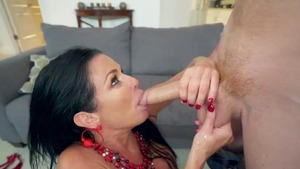 Mature Veronica Avluv double penetration in the bed