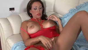 Big boobs pornstar Tina Love wearing glasses takes large dildo